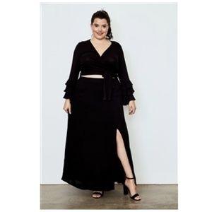 💋NEW💋Plus Size Black Side Slit Maxi Skirt